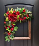 Pretty Wreath Decor Ideas To Hang On Your Door30