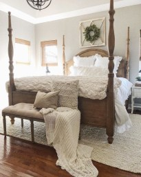 Spectacular Farmhouse Master Bedroom Decorating Ideas To Copy10