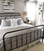 Spectacular Farmhouse Master Bedroom Decorating Ideas To Copy11