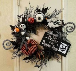 Stunning Diy Halloween Wreaths Design Ideas That Looks Cool04
