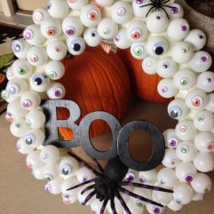Stunning Diy Halloween Wreaths Design Ideas That Looks Cool30