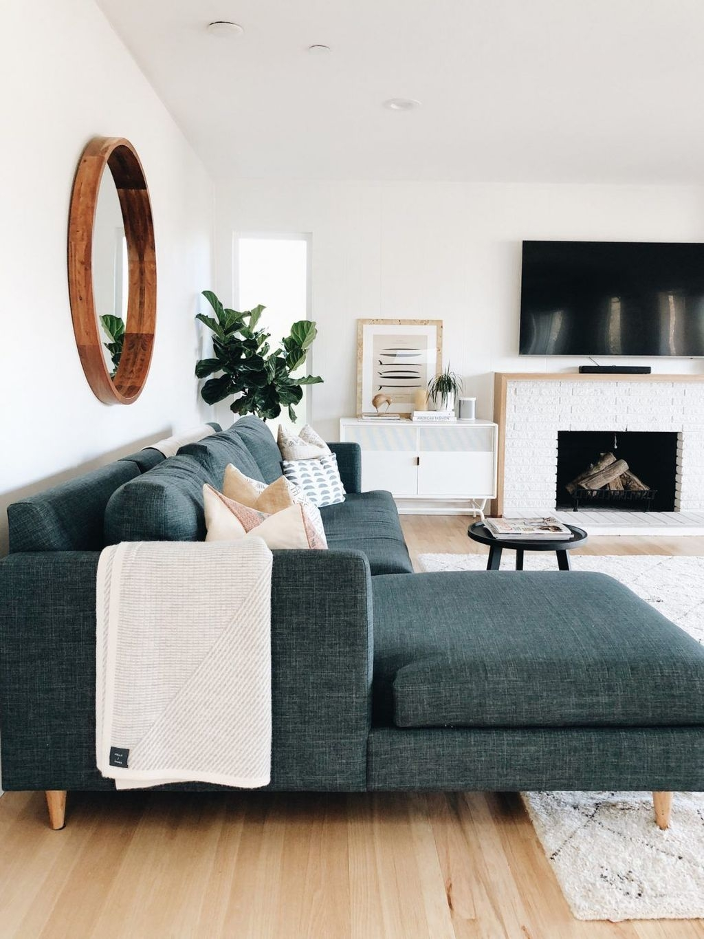 Wonderful Neutral Living Room Design Ideas To Try19