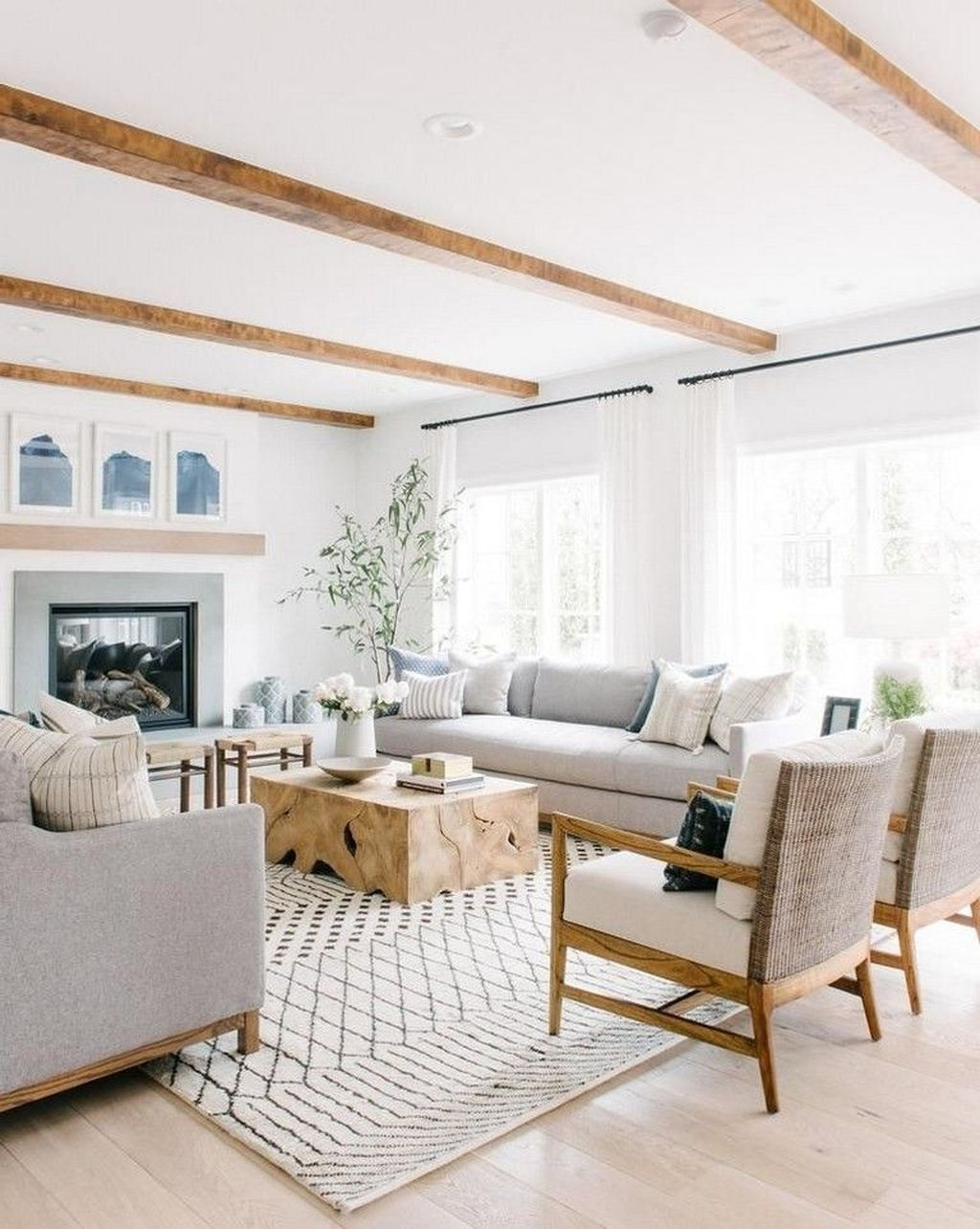 Wonderful Neutral Living Room Design Ideas To Try30