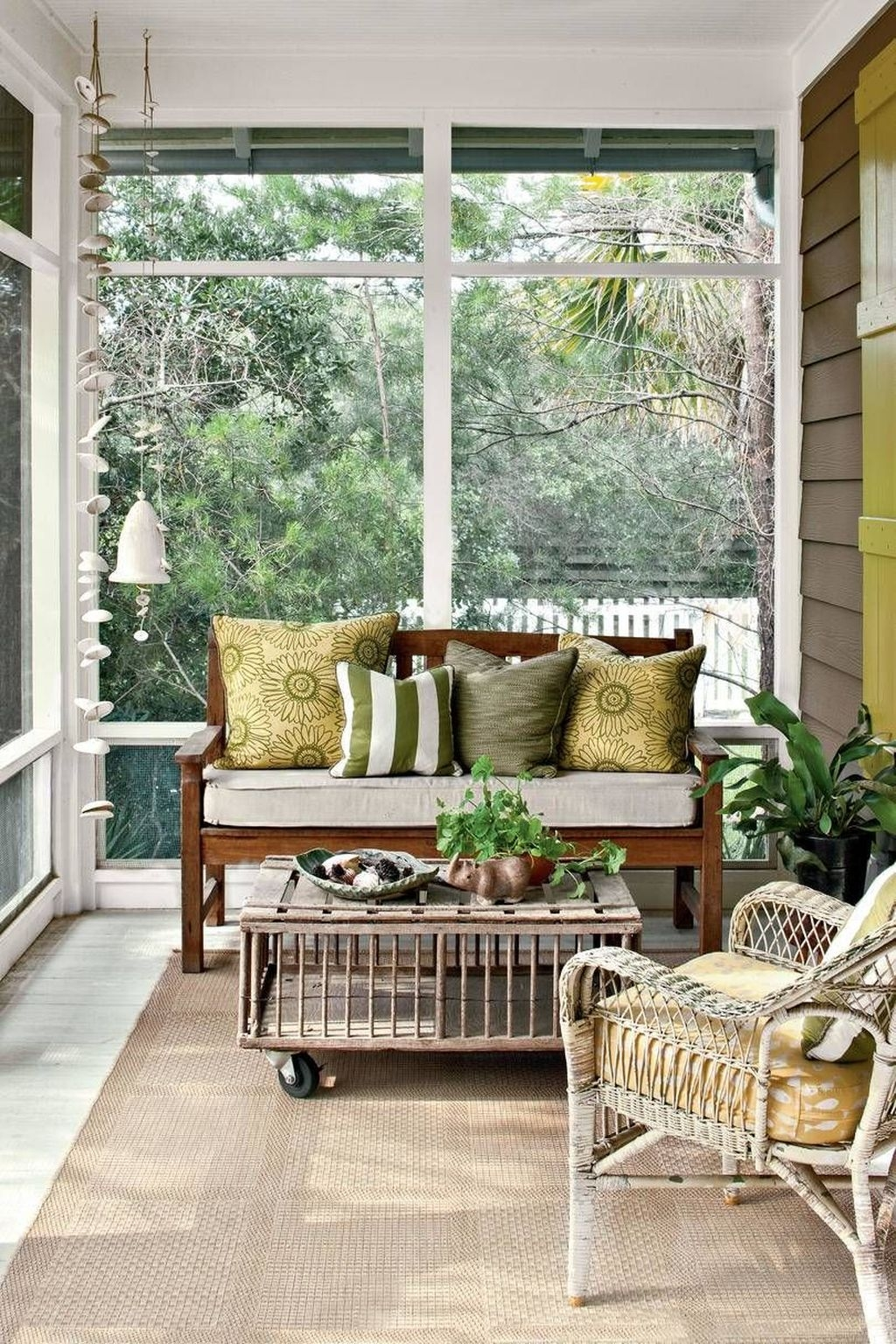 Brilliant Closed Balcony Design Ideas To Enjoy In All Weather Conditions14