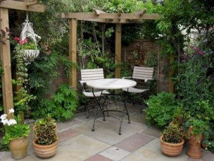 Chic Small Courtyard Garden Design Ideas For You12