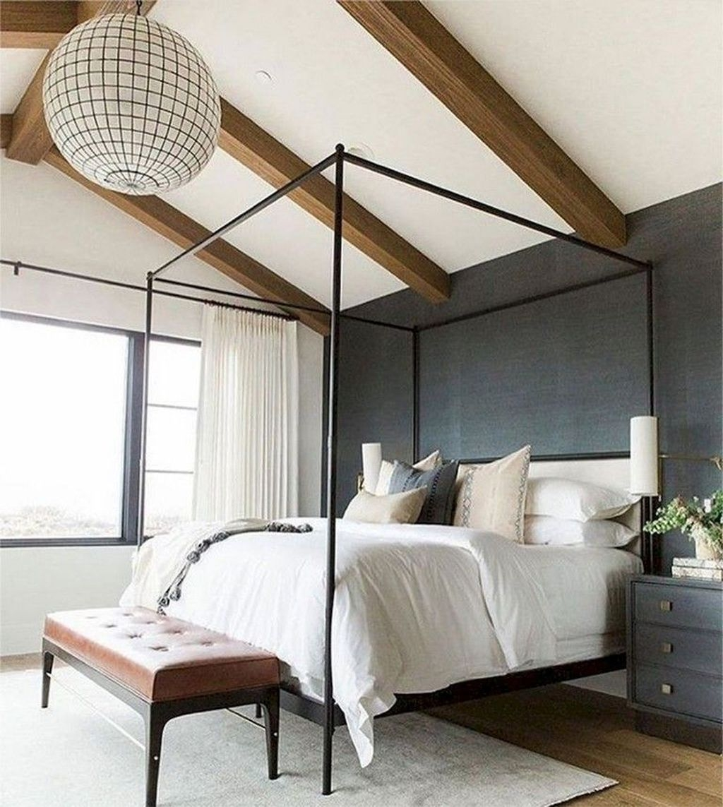 Cute Chandeliers Decoration Ideas For Your Bedroom35