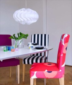 Stunning Dining Room Design Ideas With Multicolored Chairs05
