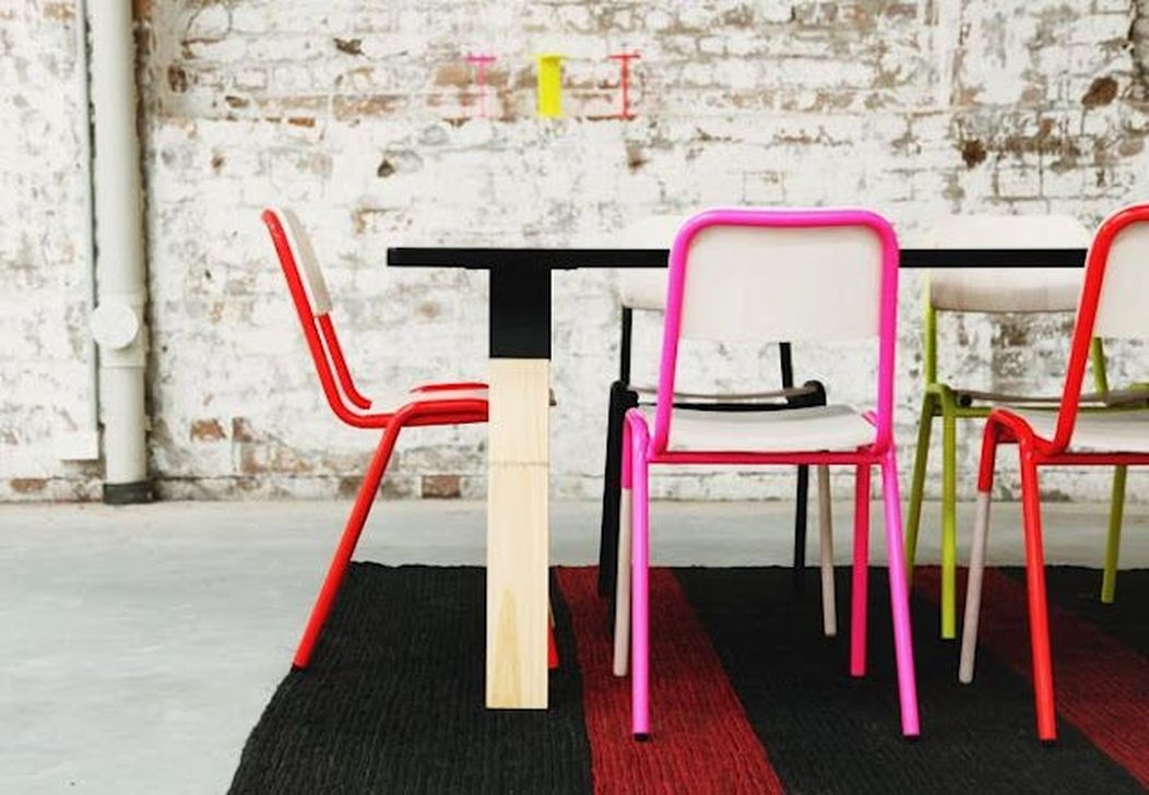 Stunning Dining Room Design Ideas With Multicolored Chairs10