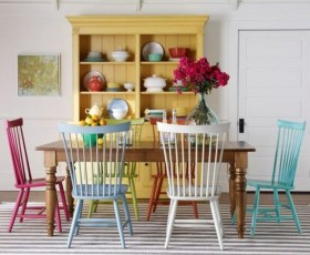 Stunning Dining Room Design Ideas With Multicolored Chairs28