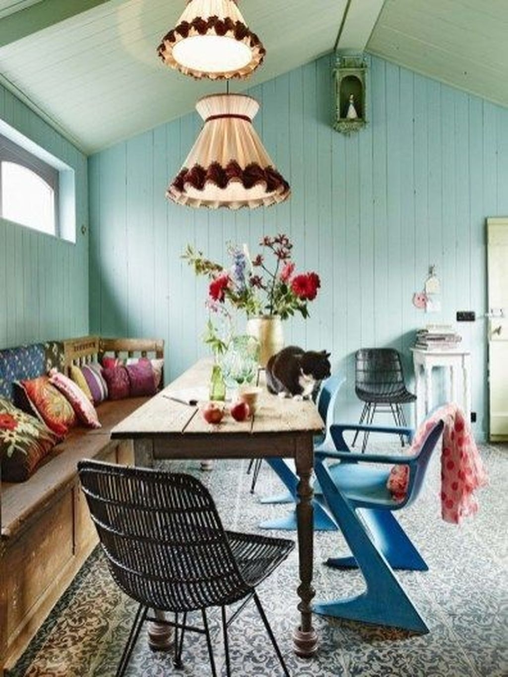 Unordinary Dining Room Design Ideas With Bohemian Style42
