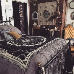 Wonderful Bedrooms Design Ideas With Vintage Touch That Will Thrill You09