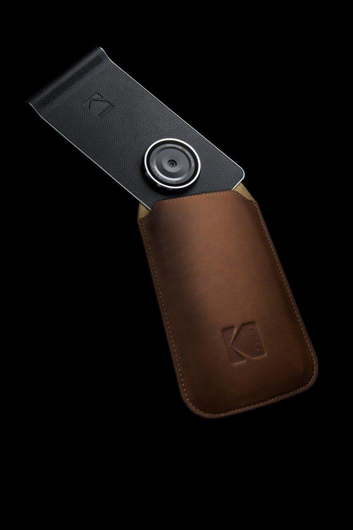 kodak-ektra-smartphone-eastman-kodak-company-bullitt-group-_dezeen_2364_col_1