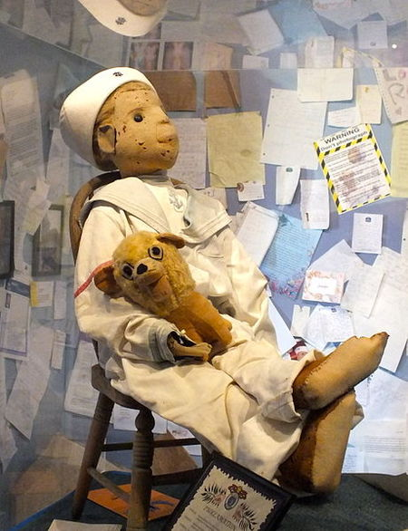 Haunted Doll, Who Curses Those Who do not Ask Permission To Take its Picture