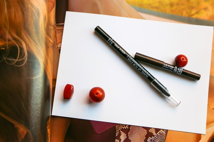 Purchase Eyeliners that Have Stay Proof Wear ability