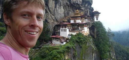 Know how this man travelled the world without quitting his job