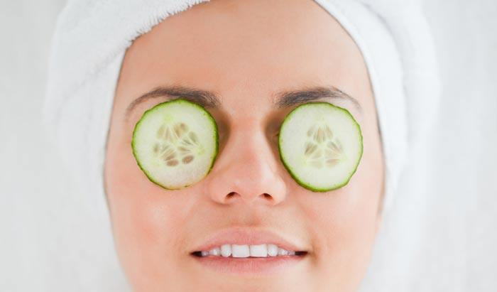 Apply a slice of cucumber on the affected eye
