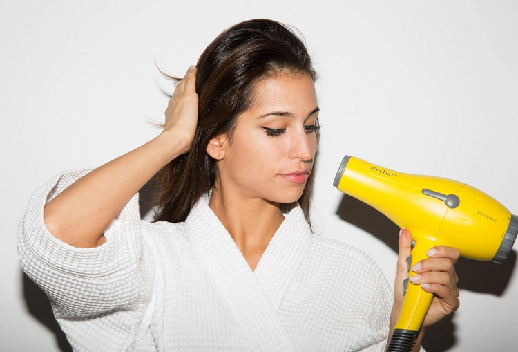Blow dryer for that quick moistening effect