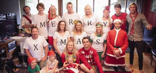 These Christmas photos had a very clever message hidden for a special person