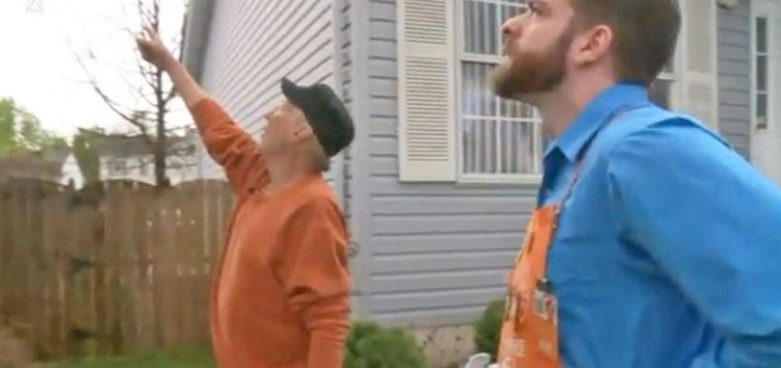 Old man was left teary-eyed with an act of Kindness by a Home Depot worker