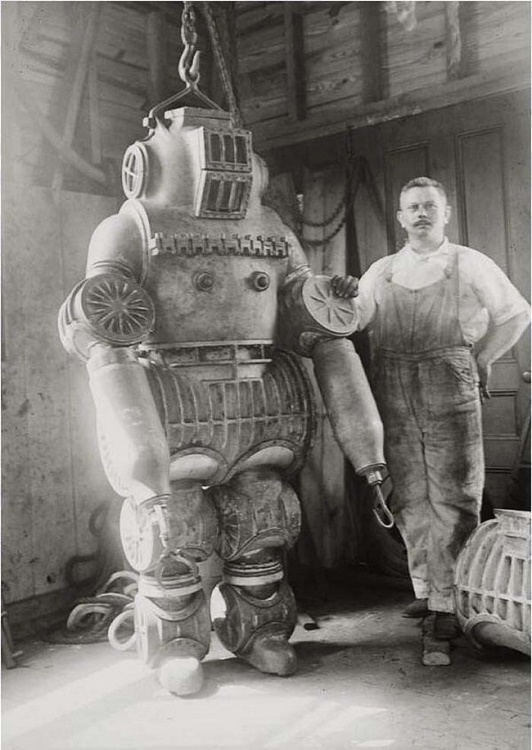 Old time diving suit or Ironman prototype?
