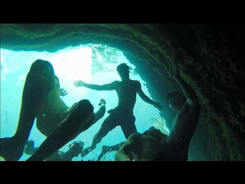 Divers in Jacobs Well