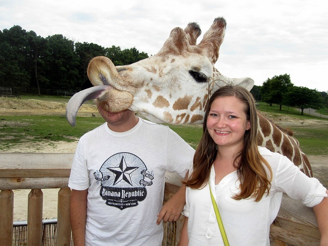 Giraffe and I am Prettier