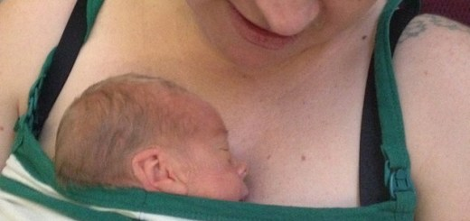 Doctors stunned when woman delivers twins six weeks apart