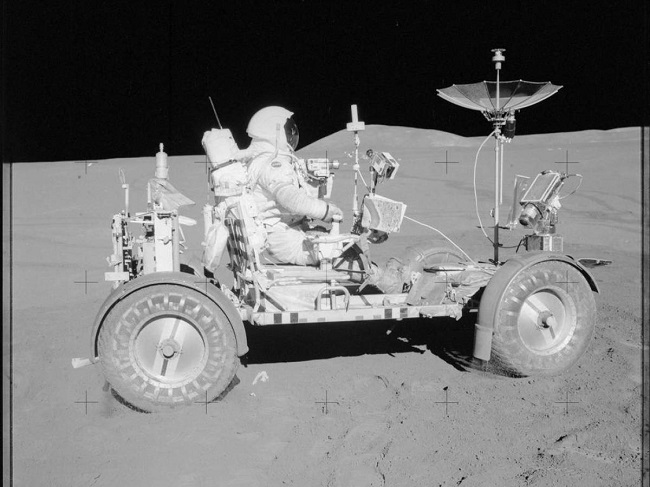 easy to drive around the moon