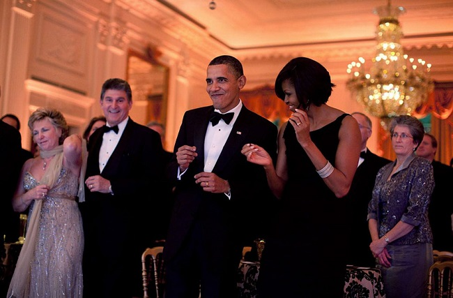 Obama dancing moves with wife Michelle Obama