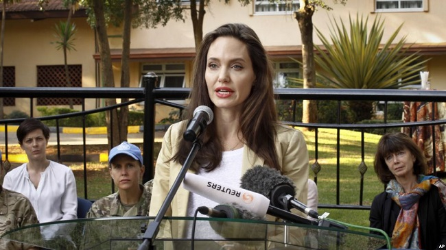 Angelina Jolie Bell's palsy facing media
