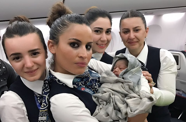 baby born in airplane