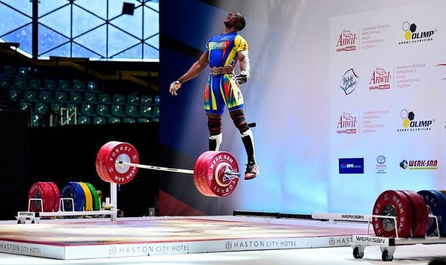 The weightlifter who defies gravity