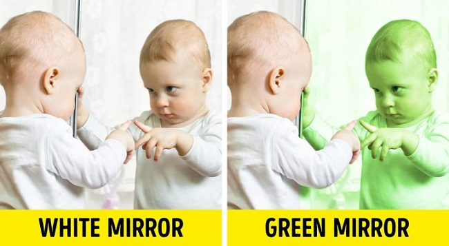 What is the color of a mirror