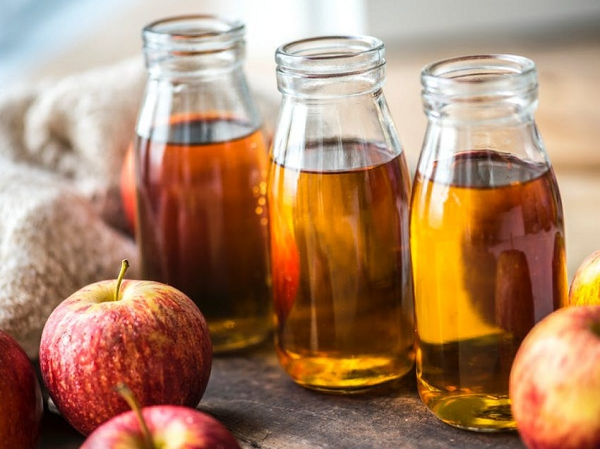 Water and apple cider vinegar
