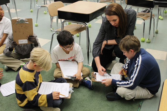 Teachers and students eat together in classrooms