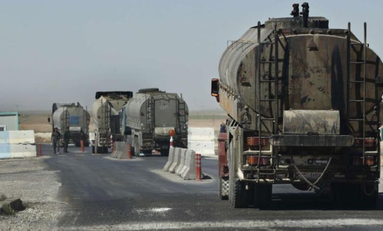 الجيش الأمريكي يسرق قمح ونفط سوريا إلى العراق أمام أعين قسد