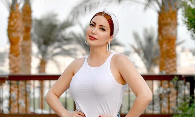"""فستان الفنانة نسرين طافش """"الوردي"""" ورقصتها حديث مواقع التواصل ( فيديو )"""