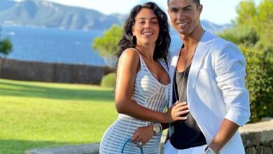 على غرار رونالدو وجورجينا.. ميسي ينشر صورة رومانسية مع زوجته