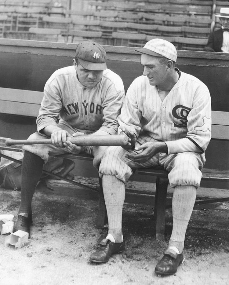 black and white image of Babe Ruth and Joe Jackson in 1920