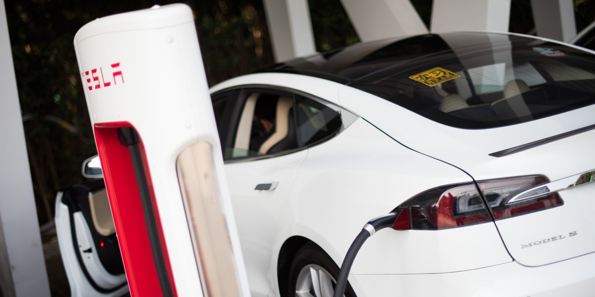 The New Cheap and Fast Way to Make Supercapacitor Electrodes For Electric Cars