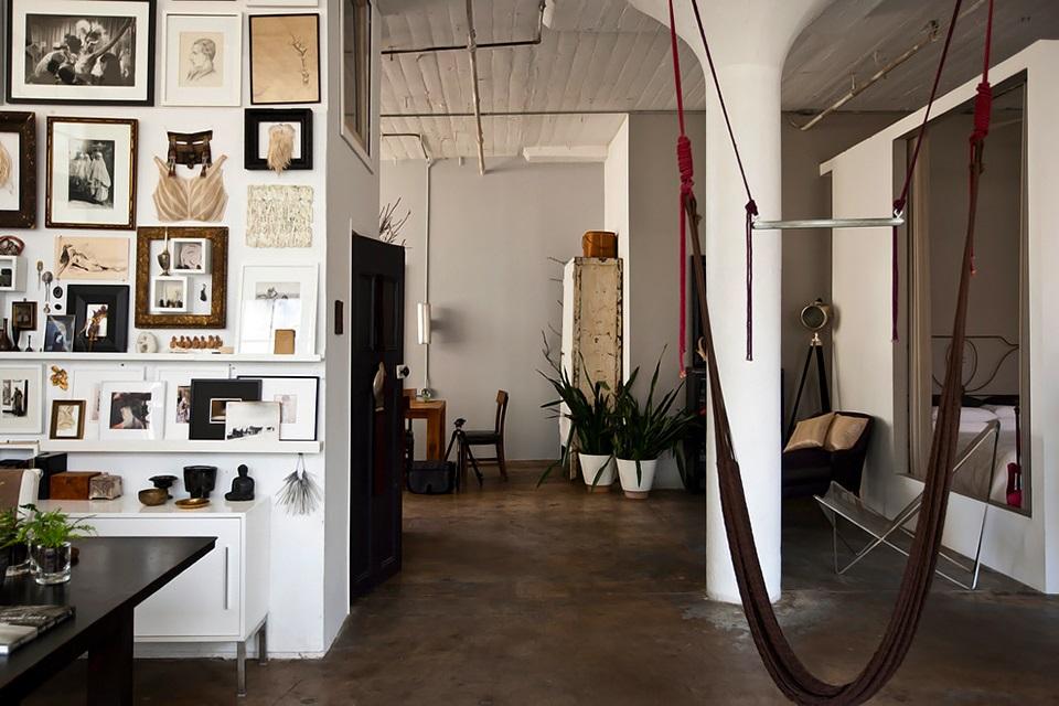 Loft brooklyn industrial interior 09 trendland for Interior designers in brooklyn ny