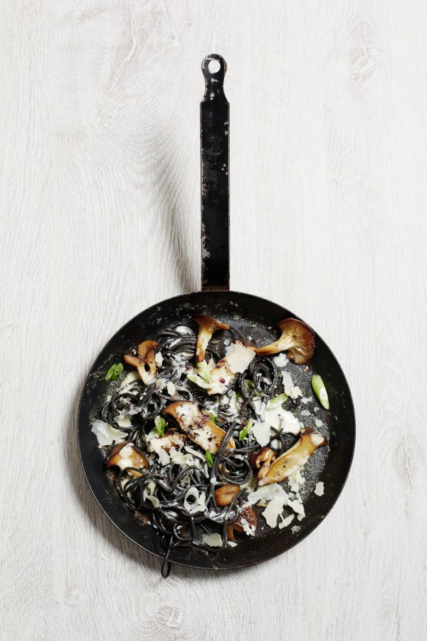 Black Spaghetti with Mushrooms and Parmesan-2