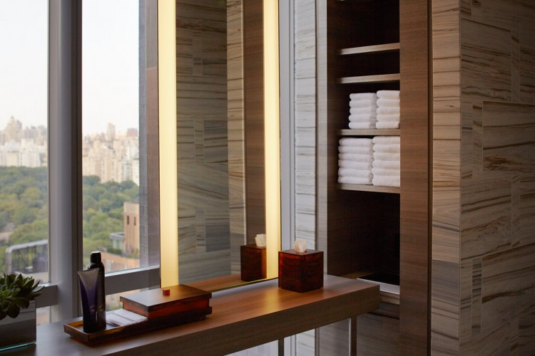 Park-hyatt-nyc-spa-locker-room-2