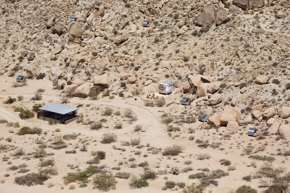 wagon-community-living-project-in-the-desert-4