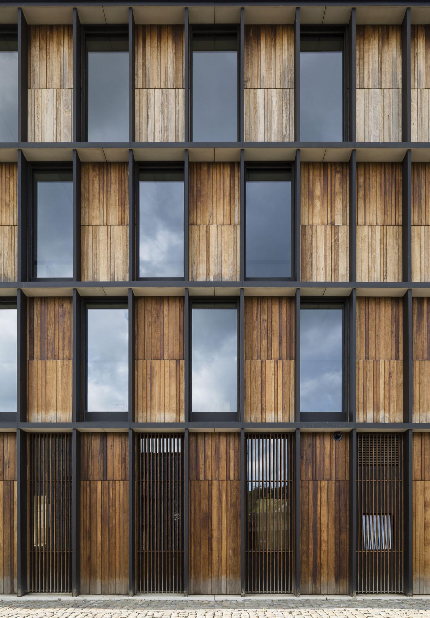 art-dealer-axel-vervoordt-belgian-estate-by-frederik-vercruysse-14