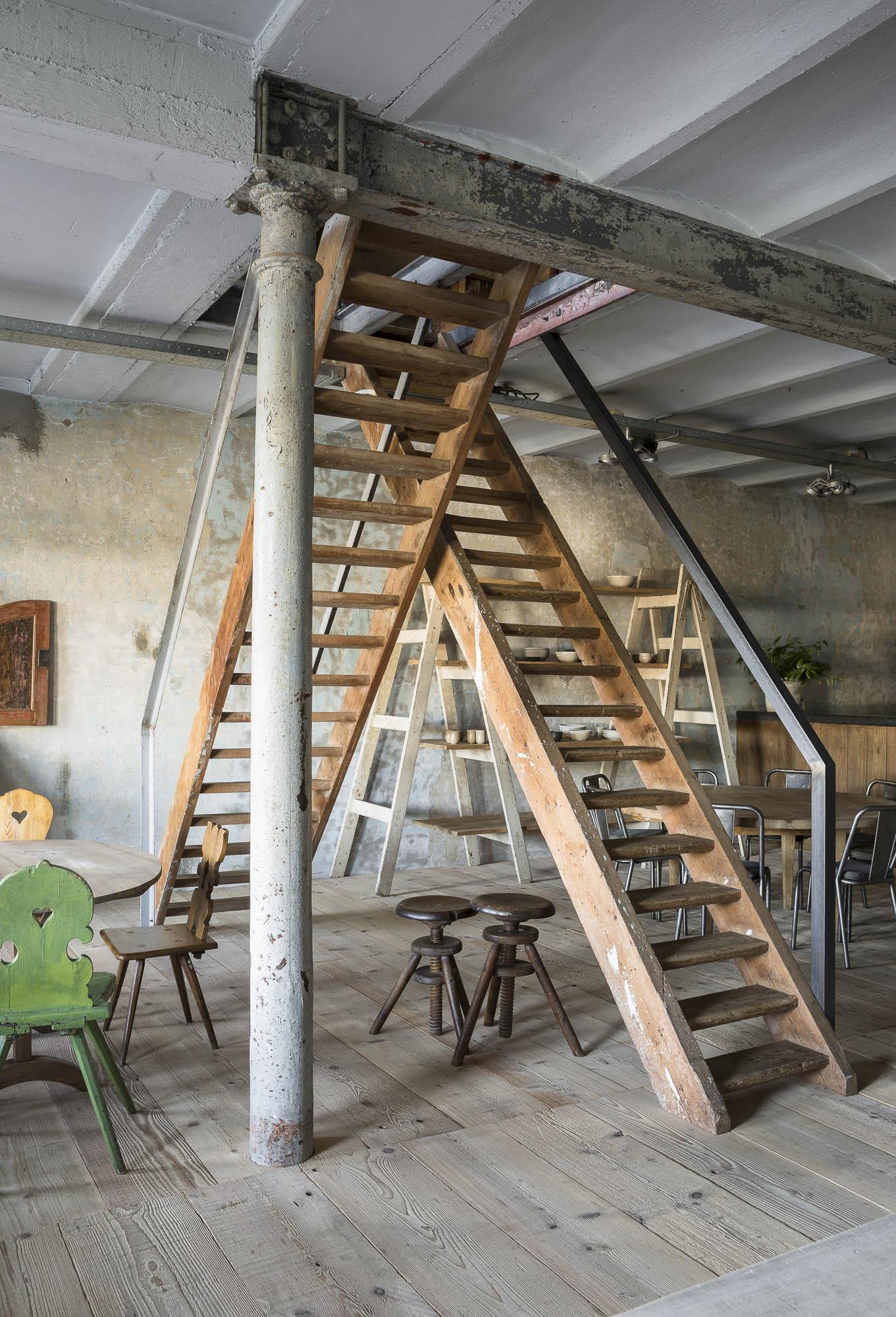 art-dealer-axel-vervoordt-belgian-estate-by-frederik-vercruysse-9