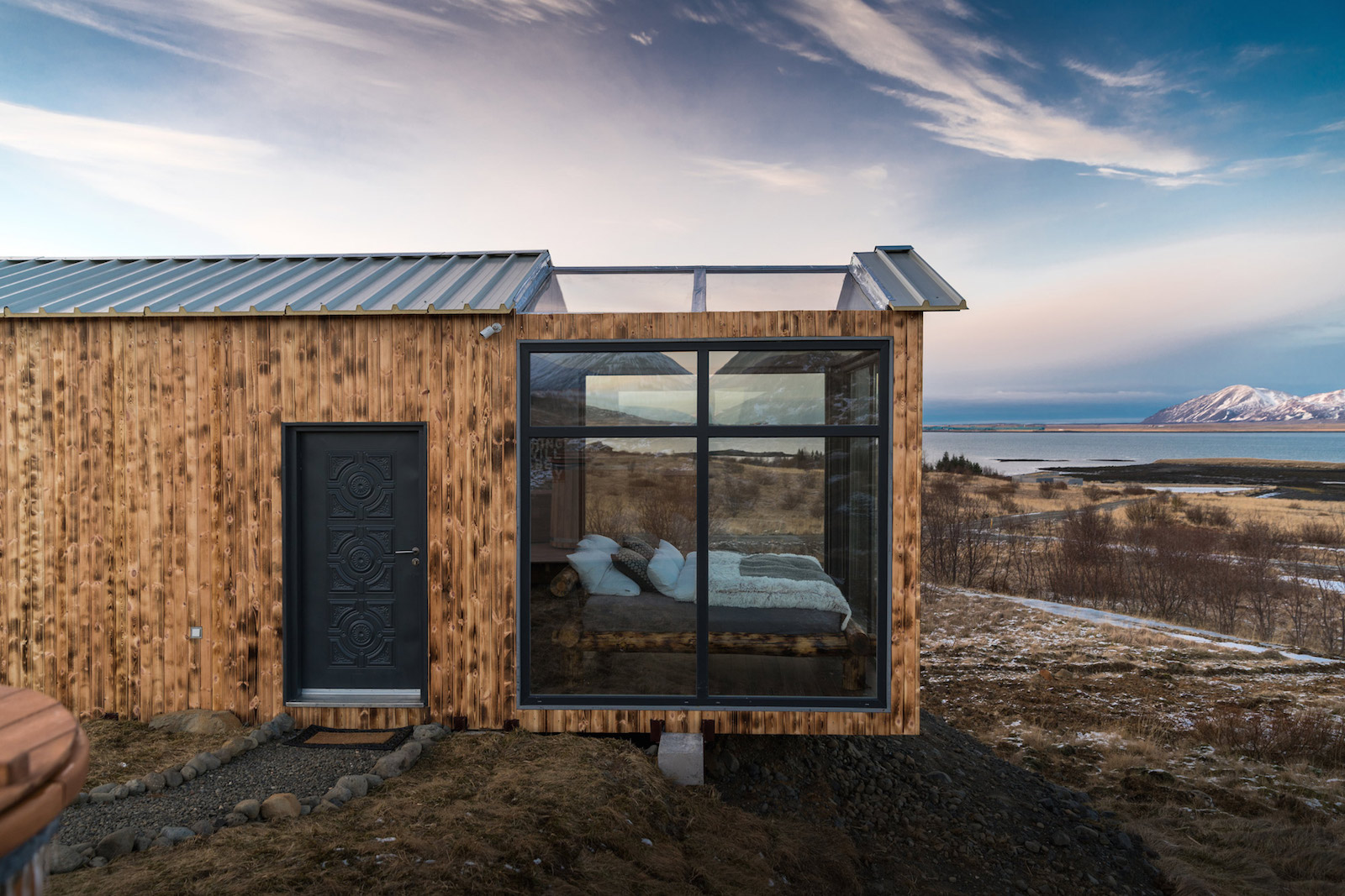 Fesselnde Conhouse Referenz Von Whimsical Glass Lodge In Iceland