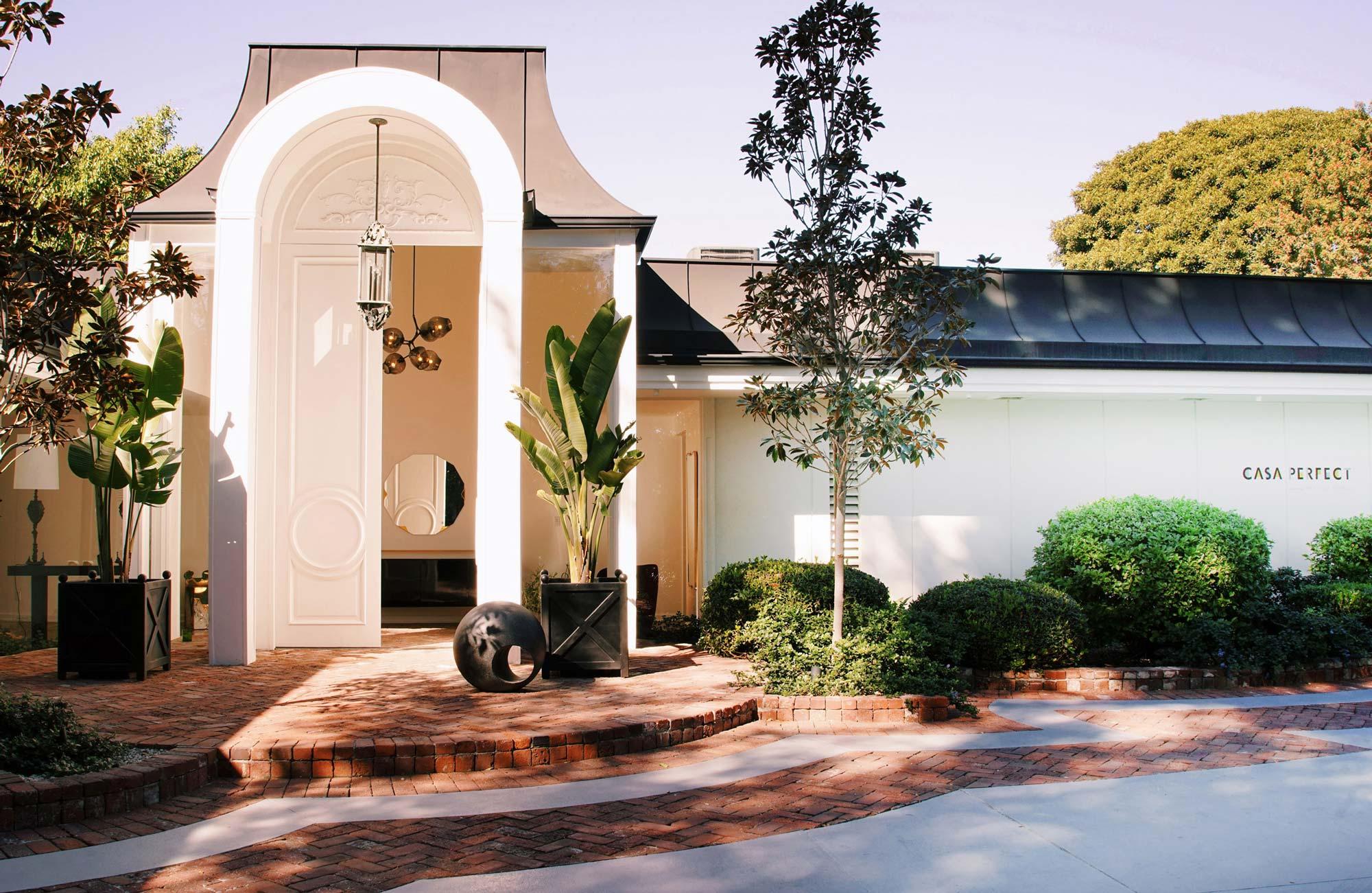 Casa perfect sets in elvis presley old estate beverly for Casa designer