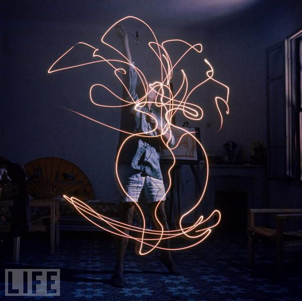 picasso light painting 6 Picasso Light Painting
