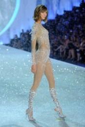 2013 Victoria's Secret Fashion Show - Show